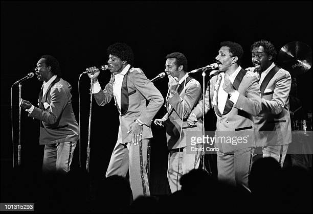 Melvin Franklin AliOllie Woodson Richard Street Ron Tyson and Otis Williams of The Temptations perform on stage at Hammersmith Odeon on 17th April...