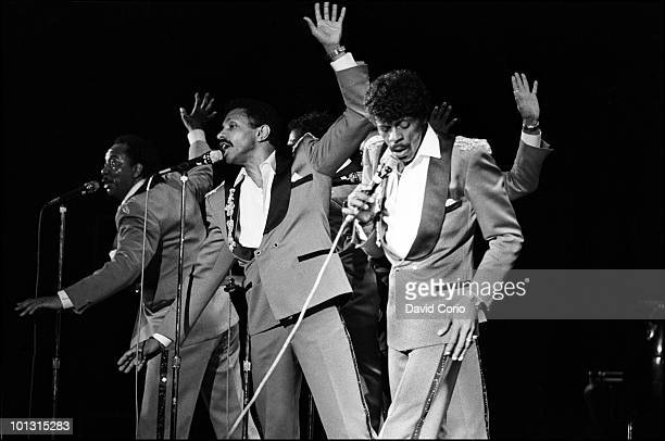 Melvin Franklin Ron Tyson and AliOllie Woodson of The Temptations perform on stage at Hammersmith Odeon on 17th April 1986 in London