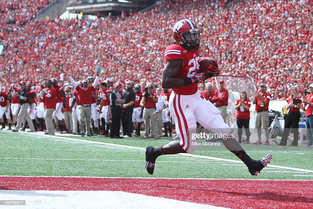 Bowling Green v Wisconsin : News Photo