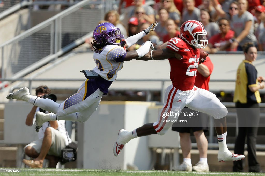 Tennessee Tech v Wisconsin : News Photo