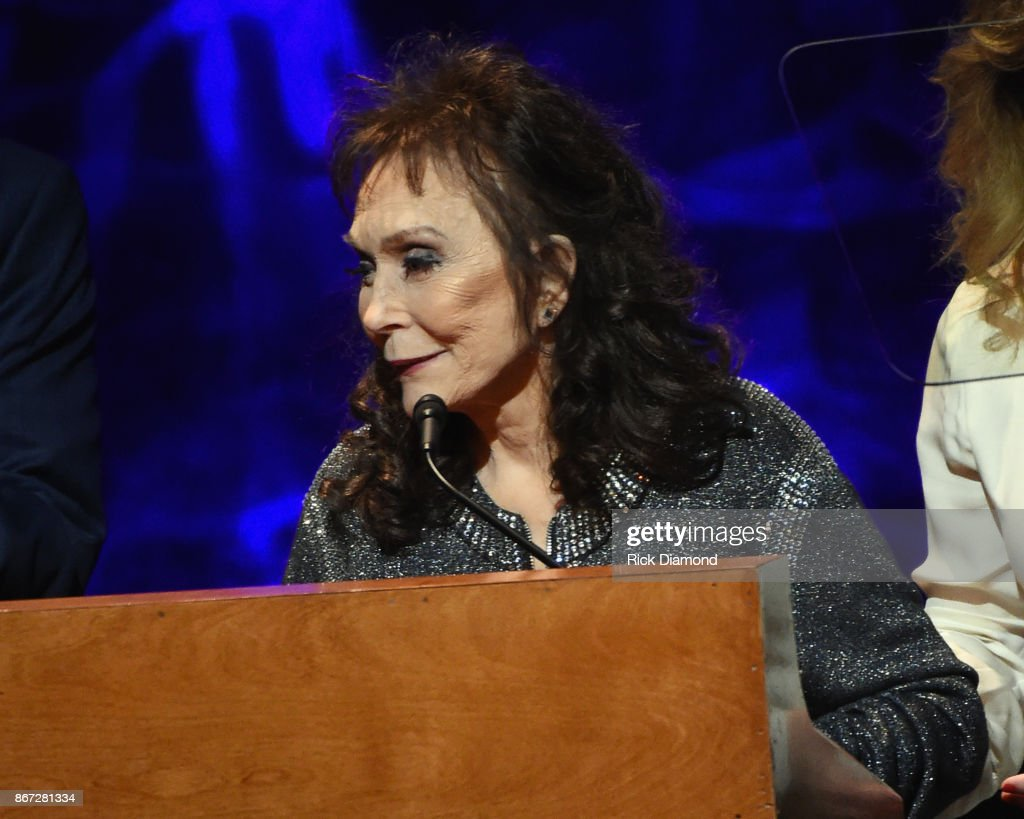 HOF member Loretta Lynn speaks onstage during the Country Music Hall of Fame and Museum Medallion Ceremony to celebrate 2017 hall of fame inductees Alan Jackson, Jerry Reed And Don Schlitz at Country Music Hall of Fame and Museum on October 22, 2017 in Nashville, Tennessee.