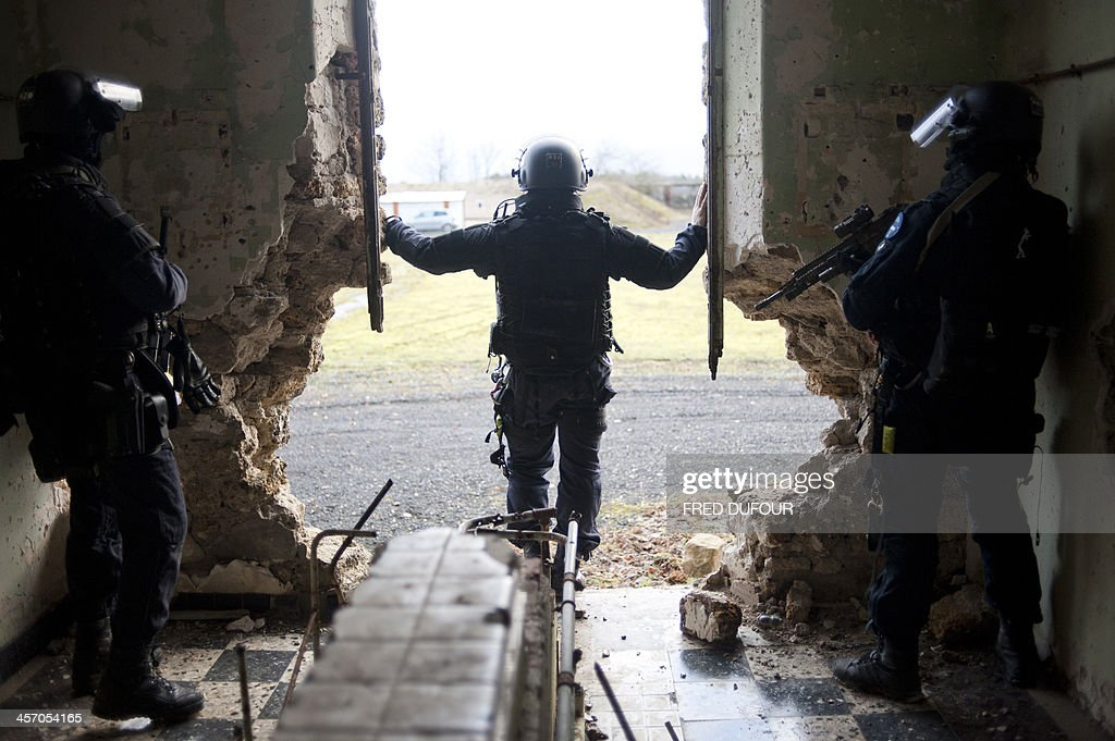 FRANCE-ARMY-GIGN-TRAINING : ニュース写真
