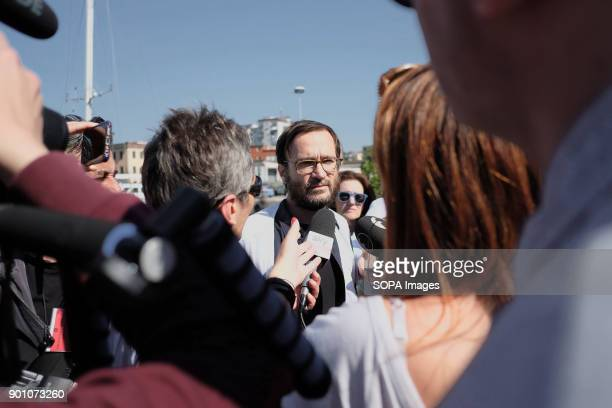 A member of Msf seen being interviewed by the media About 1500 african refugees land in Naples from Vos Prudence a rescue boat of Medecins Sans...