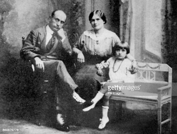 Member of the 'Fasci d'Azione Rivoluzionaria' with his wife Rachele Mussolini sat with their first child Edda