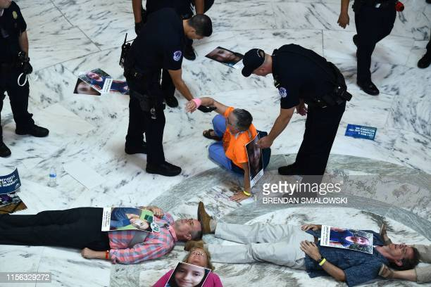 DC: Franciscan Action Network Holds A Prayer Vigil To End Inhumane Treatment Of Migrant Families
