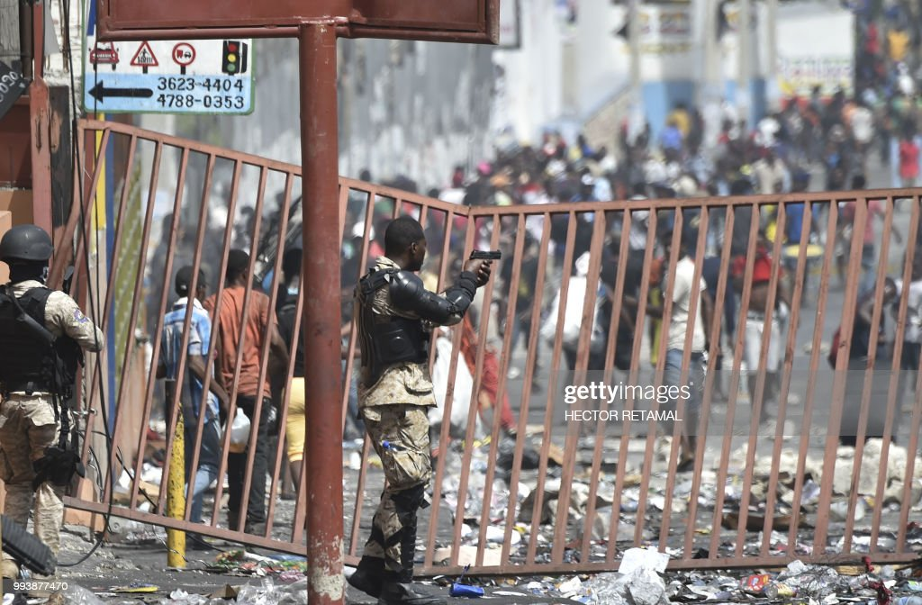 HAITI-FUEL-UNREST : News Photo