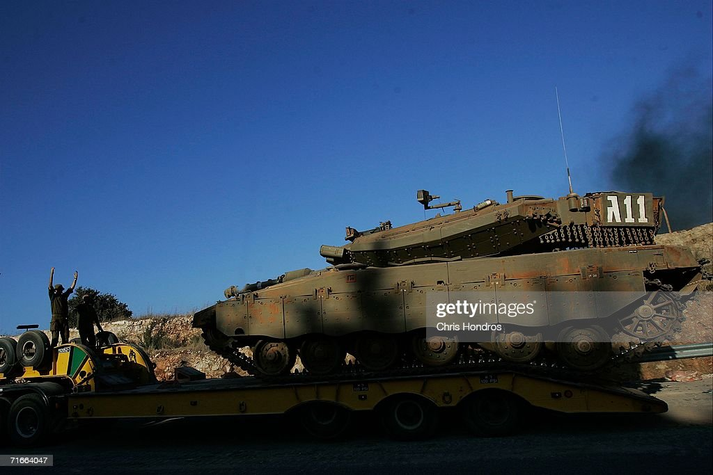 Israeli Troops Continue Withdrawal From Lebanon : Nachrichtenfoto
