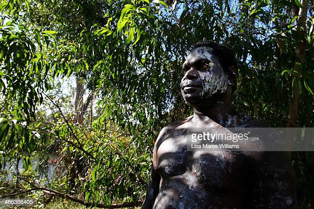 A member of the Jawoyn Mob welcomes passengers of the Ghan ANZAC Tribute train at Nitmiluk National Park on April 23 2014 in Katherine Australia The...