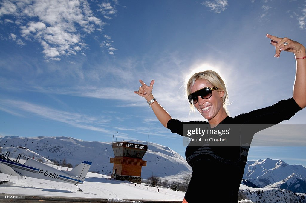 Celebrities Gather At The Film Festival Of L'Alpe D'Huez - Day 4 : News Photo
