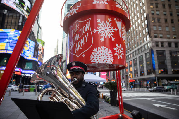 NY: Salvation Army Lights World's Largest Red Kettle On Giving Tuesday