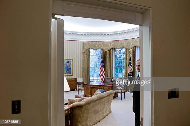 Member of the Secret Service stands guard in the newly redecorated Oval Office of the White House August 31, 2010 in Washington, D.C. U.S. President...