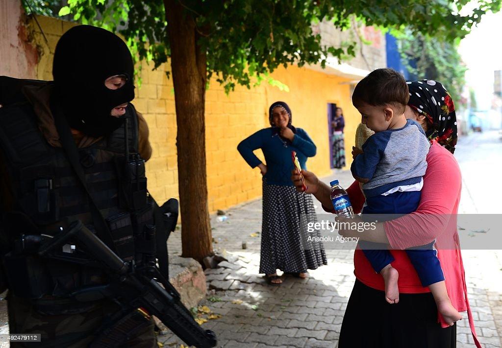 Anti-terror operation in Diyarbakir : News Photo