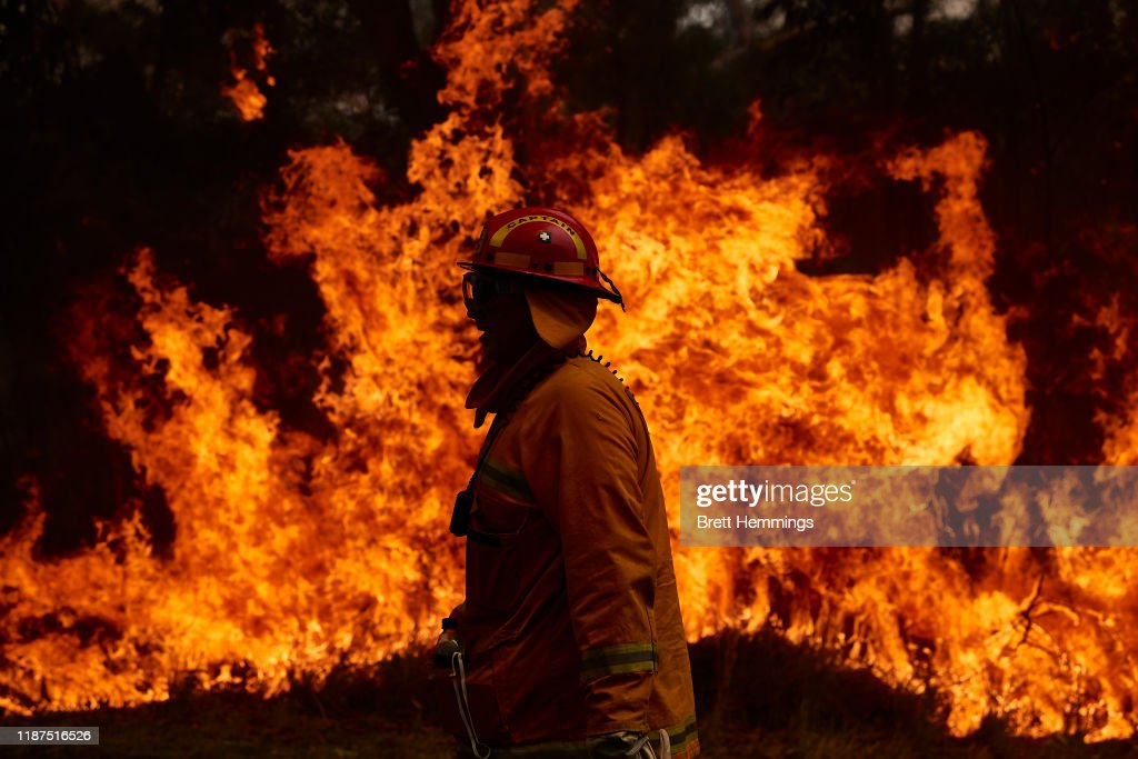 Firefighters Remain On High Alert As Bushfire Conditions Ease Across NSW : News Photo