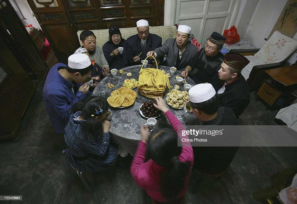 Good Home Eid Al-Fitr Feast - members-of-a-muslim-family-have-a-feast-to-mark-the-eidalfitr-at-picture-id72242683  Snapshot_168362 .com/photos/members-of-a-muslim-family-have-a-feast-to-mark-the-eidalfitr-at-picture-id72242683