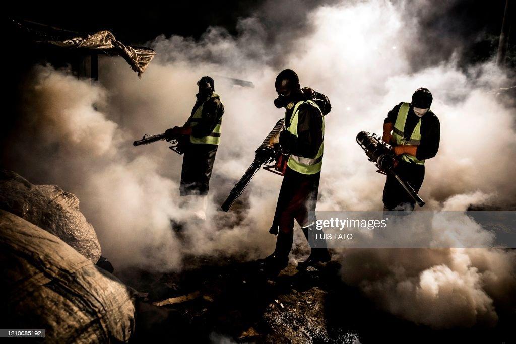TOPSHOT-KENYA-HEALTH-VIRUS : News Photo