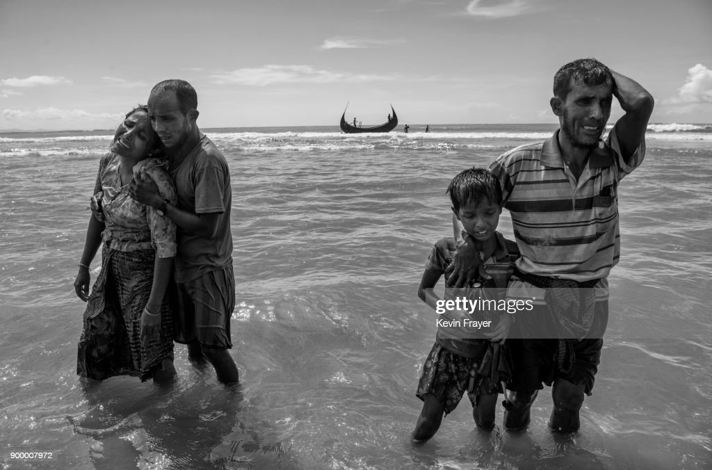 Rohingya Refugees Flee Into Bangladesh to Escape Ethnic Cleansing : Nieuwsfoto's