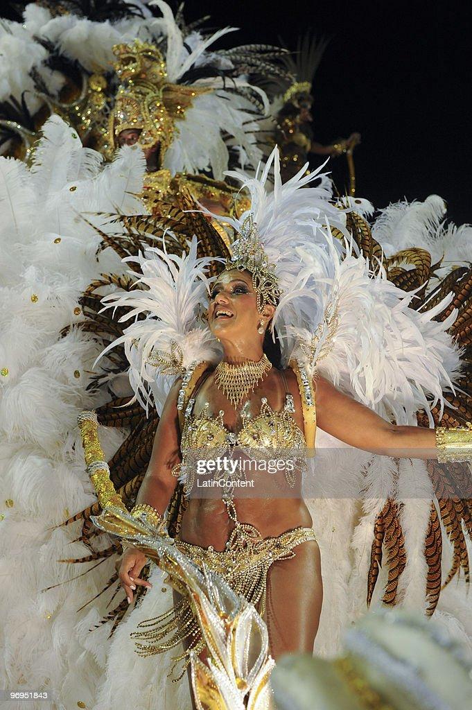 Members of Beija Flor Samba School dance during Rio de Janeiro's Carnival Champions Parade at Marques de Sapucai Sambodrome on February 21, 2010 in Rio de Janeiro, Brazil.