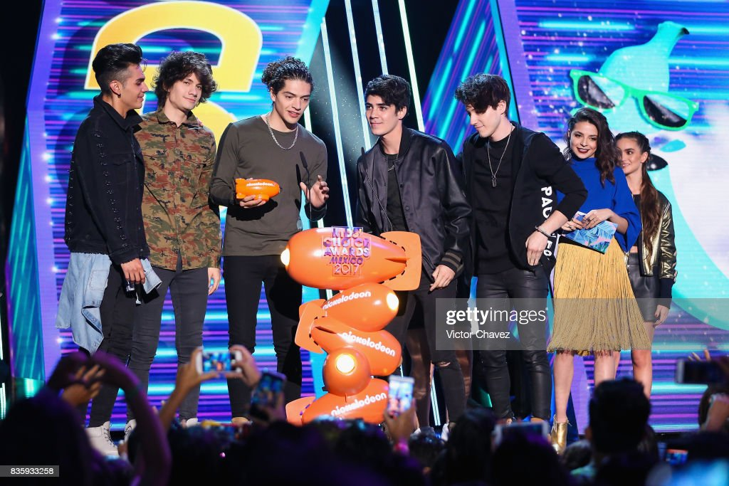 Members of CD9 speak onstage during the Nickelodeon Kids' Choice Awards Mexico 2017 at Auditorio Nacional on August 19, 2017 in Mexico City, Mexico.