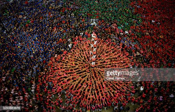 Members of Colla Vella dels Xiquets de Valls build a human tower during the 27th Tarragona Competition on October 07 2018 in Tarragona Spain The...
