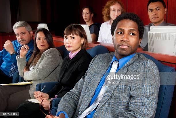 mitglieder von verschiedenen jury in federal court - geschworener stock-fotos und bilder