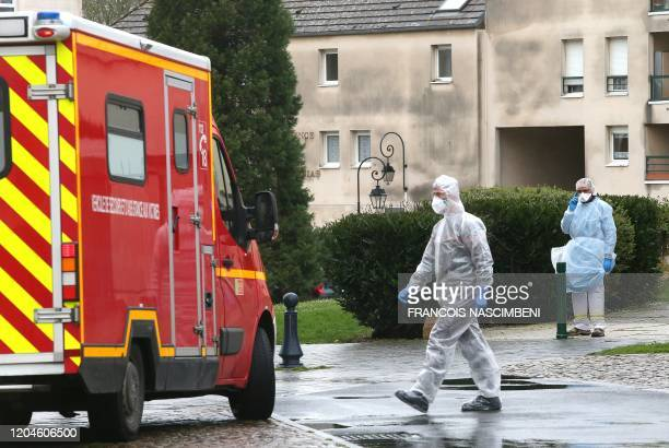 Members of emergency and intensive care services are at work after a person was allegedly contaminated by the new Covid-19 Coronavirus, on March 2,...