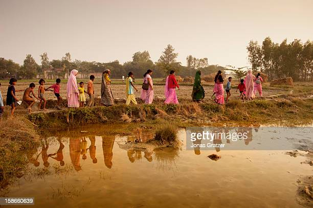 Members of Gulabi Gang along with villagers are in the process of determining and seeking ways to improve the condition of agricultural field The...