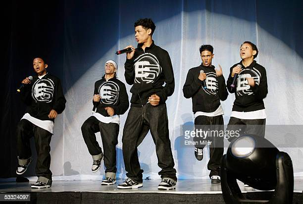 Members of hiphop group B5 Carnell Breeding Kelly Breeding Patrick Breeding Dustin Breeding and Bryan Breeding perform during BET's Scream Tour IV...