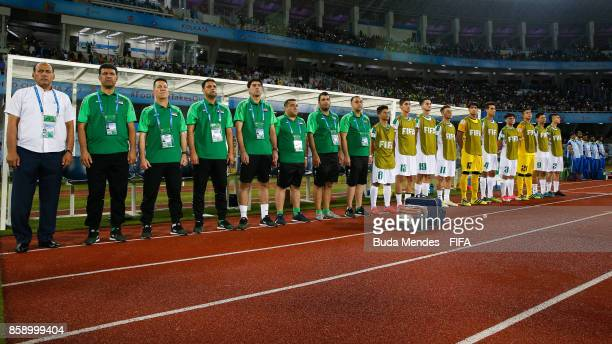 Members of Iraq team line up for the National Anthems ahead of the FIFA U17 World Cup India 2017 group F match between Chile and England at...