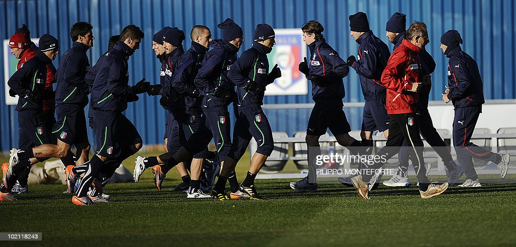 Members of Italy's football team train at Irene's Southdowns College, south of Pretoria on June 15, 2010. The 2010 World Cup hosted by South Africa continues through July 11. AFP PHOTO/Filippo MONTEFORTE
