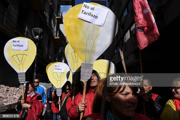 Members of leftist organizations demonstrate against the rise of public services fares and the government's negotiations with the International...
