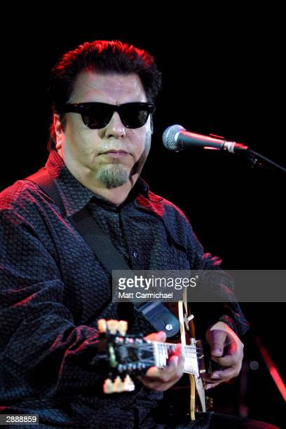 Members of Los Lobos perform their second blues set ever at the 13th Annual Hopefest concert benefiting Chicago's Homeless January 18 2004 Chicago