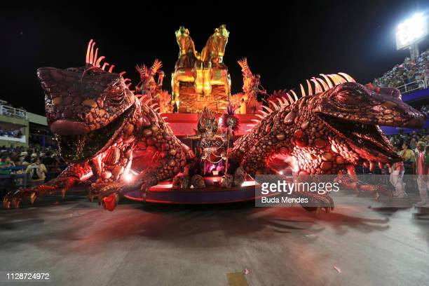 Members of Mangueira Samba School perform during the parade at 2019 Brazilian Carnival at Sapucai Sambadrome on March 04 2019 in Rio de Janeiro...