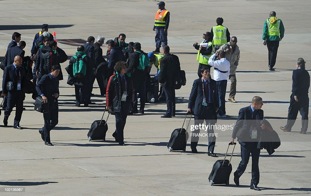Members of Mexico's football squad arrive at Polokwane airport, on June 16, 2010. Mexico will play against France in their second first-round match of the 2010 Football Wolrd Cup on June 17.