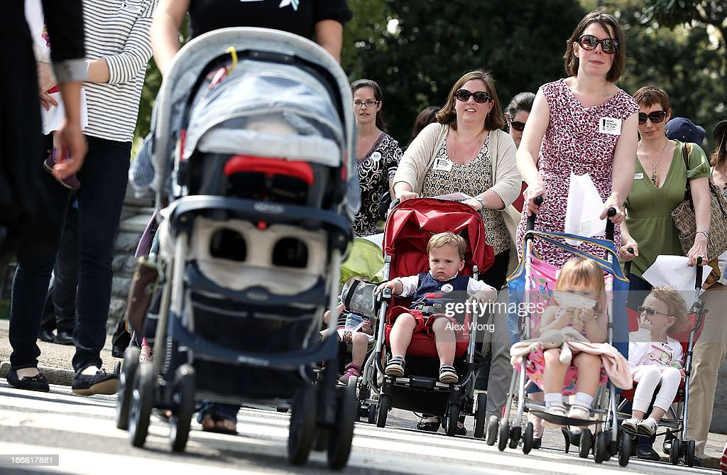 Moms With Strollers Rally On Capitol Hill Against Gun Violence : News Photo