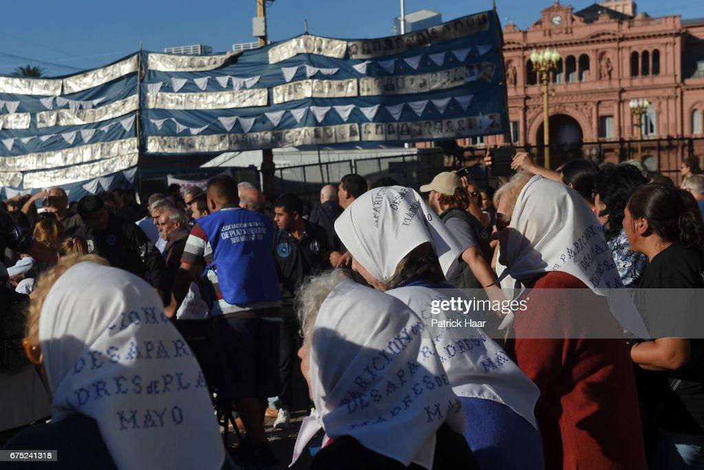 Mothers of Plaza de Mayo 40th Anniversary : Nachrichtenfoto