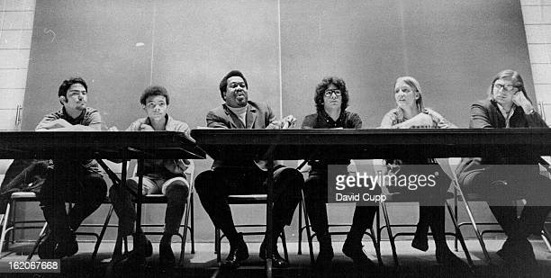 MAY 8 1970 MAY 11 1971 Members of Panel on Telephone hot lines and Crisis centers Discuss Program's Adequacy and Effectiveness From left are Anthony...