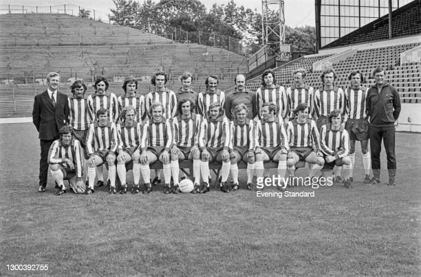 Members of Sheffield Wednesday FC football team, UK, 25th July 1972. From left to right manager Derek Dooley, Mick Prendergast, Steve Downes, David...