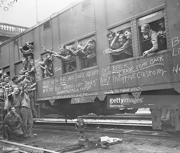 Members of the 32nd and 41st divisions of the 1st United States Infantry return to Fort Sheridan in Chicago Illinois for their discharge The train...