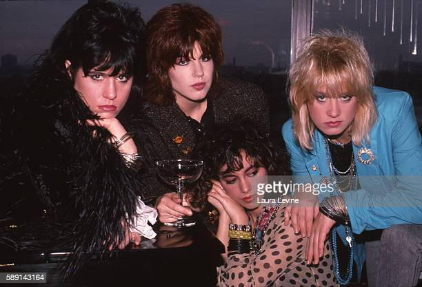 Vicki Peterson Susanna Hoffs Michael Steele Debbi Peterson