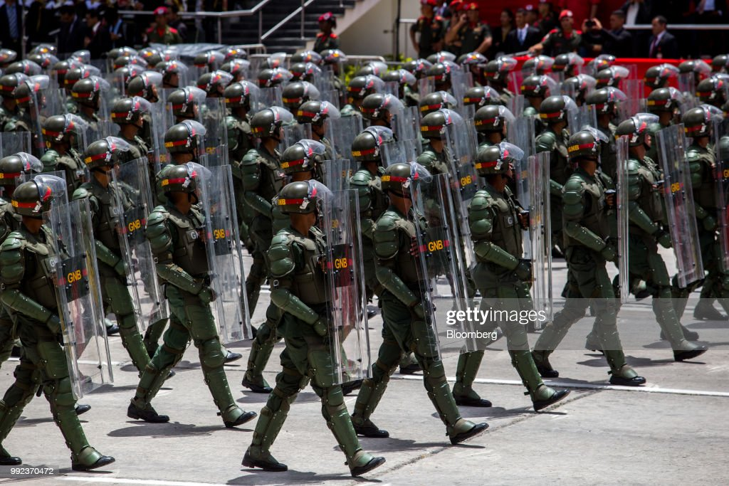 President Nicolas Maduro Attends Independence Day Military Parade : News Photo