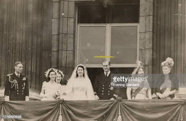 Members of the British royal family on the balcony at Buckingham Palace after the wedding of Princess Elizabeth and Philip Mountbatten , London, 20th...