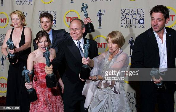 Members Of The Cast Of Gosford Park Hold Their Sag Awards For