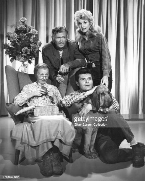 Members of the cast of the TV series 'The Beverly Hillbillies' in a publicity still circa 1965 Clockwise from left Irene Ryan as Granny Daisy Moses...