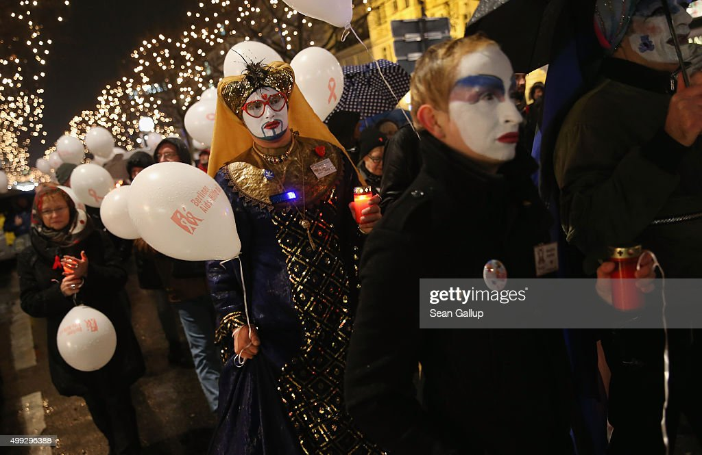 Gay Community Commemorates AIDS Victims : News Photo