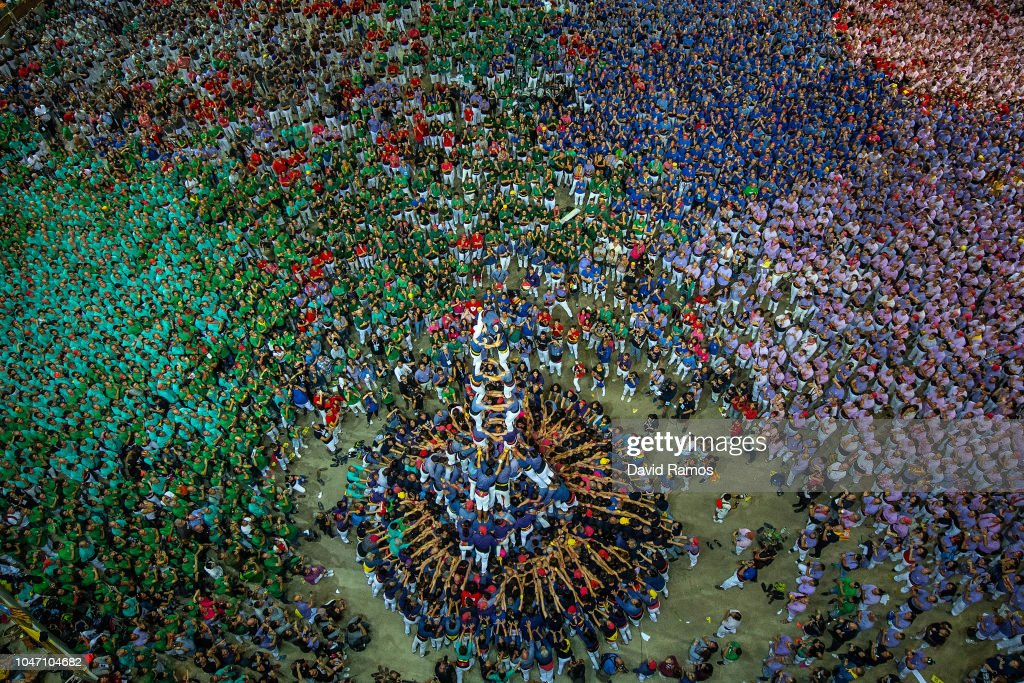 Human Towers Are Built In The Tarragona Castells Competition : News Photo