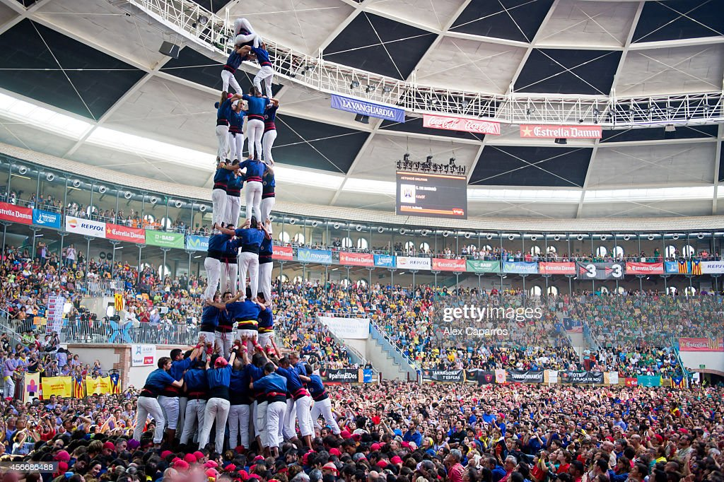 Human Towers Are Built In The 25th Tarragona Castells Competition : News Photo