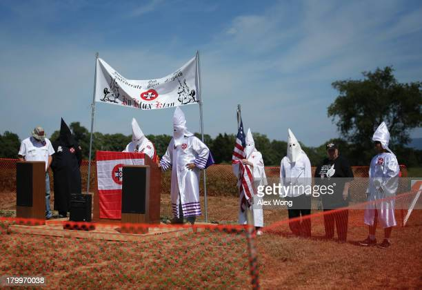 Members of the Confederate White Knights hold a rally at the Antietam National Battlefield September 7 2013 near Sharpsburg Maryland The Rosedale...