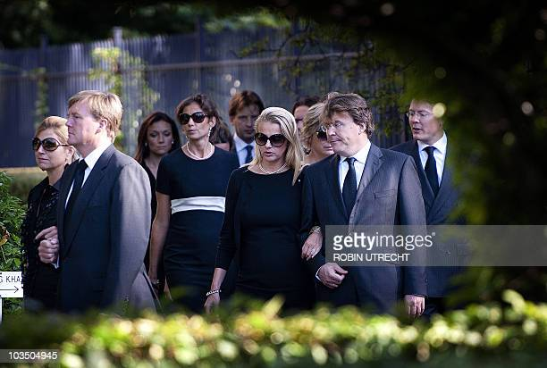 Members of the Dutch royal family walk towards Noordeinde Palace in The Hague on August 20 2010 to pay their last respect to Prince Carlos Hugo de...