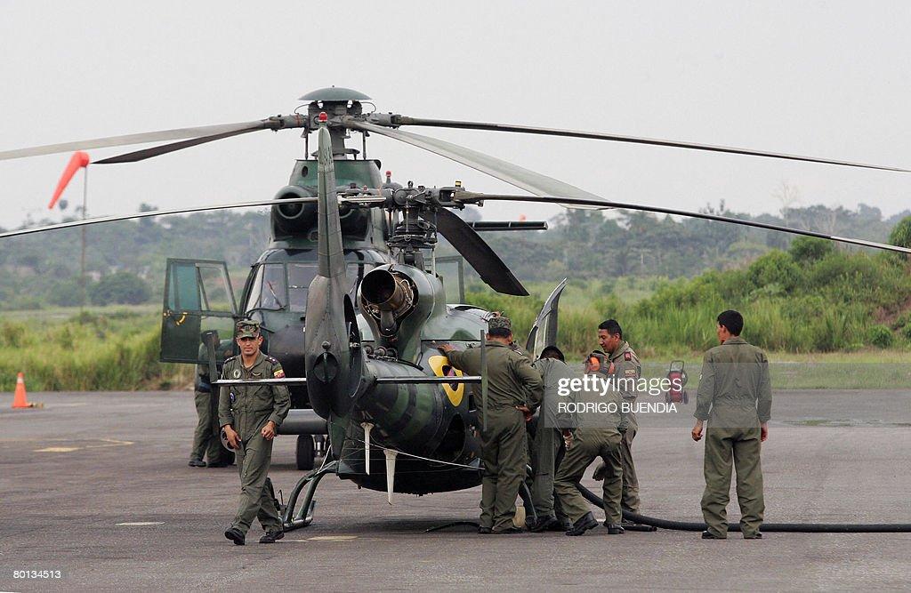 Members of the Ecuadorean air force prep : News Photo