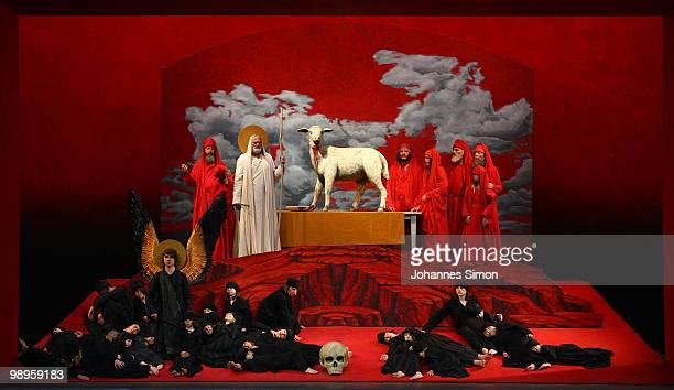 Members of the ensemble perform the tableau vivant 'The Feast Of Passover Before The Exodus From Egypt' during the Oberammergau passionplay 2010...